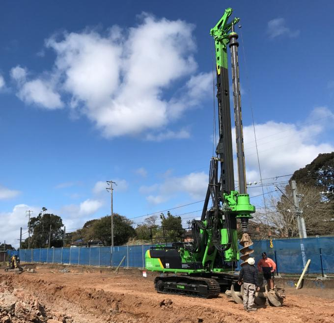 Small Hydraulic Rotary Piling Rig With 78 m/min Main Winch