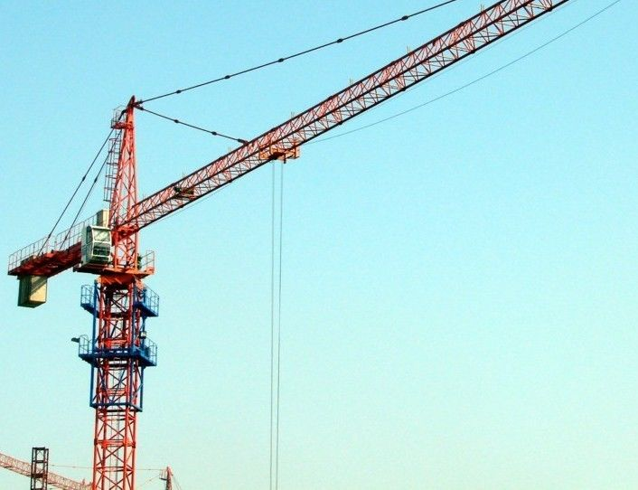 The Hydraulic Crane Is Used To Lift The 1400 : Hydraulic rental city lifting tower cranes used in
