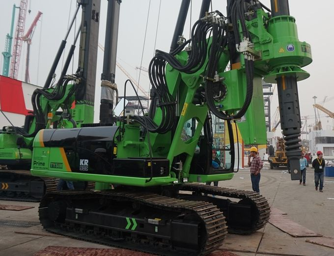 90 kN / m Torque 32m Depth Rotary Piling Rig Water Well Hydraulic Piling Rig Equipment